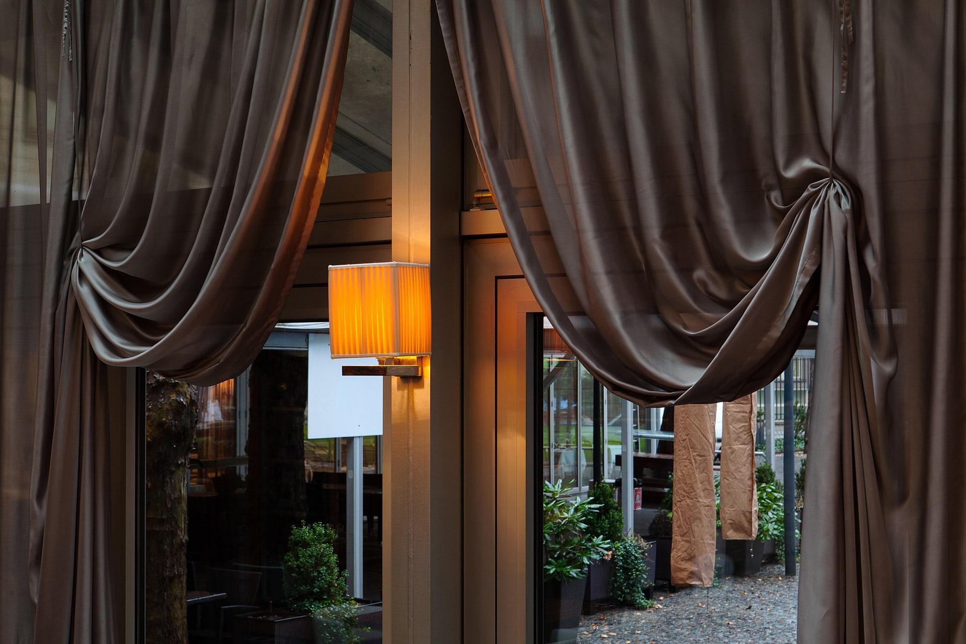 Kogo Restaurant – Window Dressing | Prague, CZ